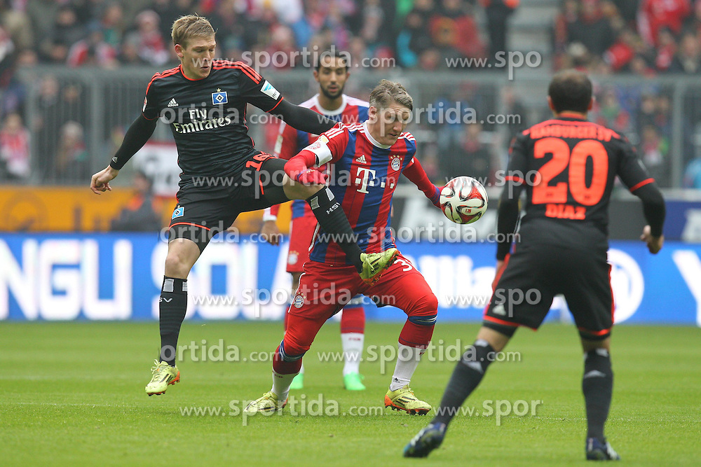 14.02.2015, Allianz Arena, Muenchen, GER, 1. FBL, FC Bayern Muenchen vs Hamburger SV, 21. Runde, im Bild l-r: im Zweikampf, Aktion, mit Artjoms Rudnevs #16 (Hamburger SV) und Bastian Schweinsteiger #31 (FC Bayern Muenchen), Marcelo Diaz #20 (Hamburger SV) // during the German Bundesliga 21th round match between FC Bayern Munich and Hamburger SV at the Allianz Arena in Muenchen, Germany on 2015/02/14. EXPA Pictures &copy; 2015, PhotoCredit: EXPA/ Eibner-Pressefoto/ Kolbert<br /> <br /> *****ATTENTION - OUT of GER*****