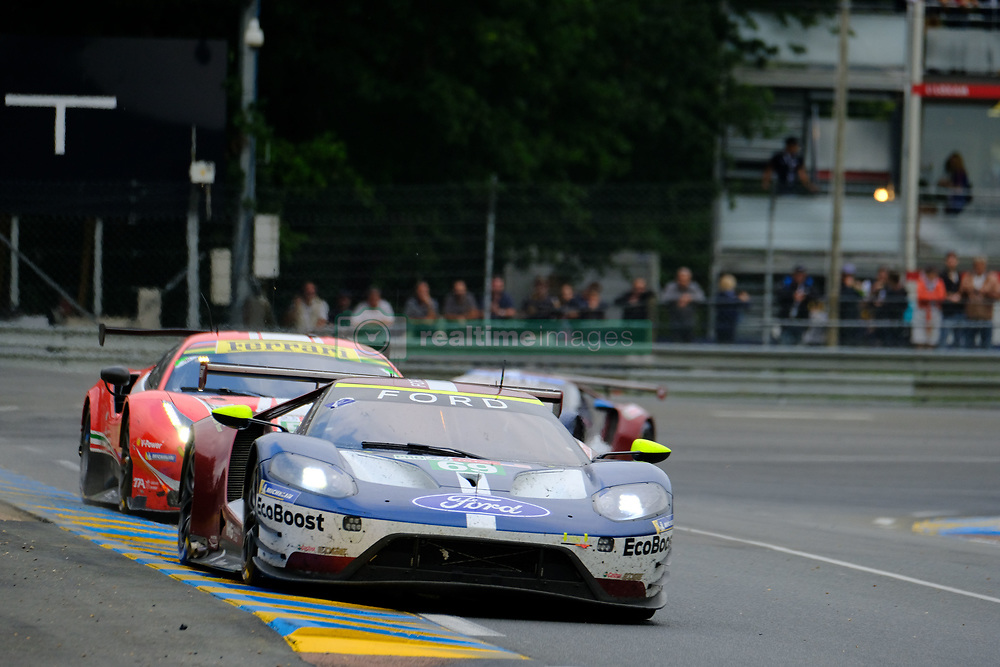 June 17, 2018 - Le Mans, Sarthe, France - Ford Chip Ganassi TEAM USA FORD GT Driver SCOTT DIXON (NZL) in action during the 86th edition of the 24 hours of Le Mans 2nd round of the FIA World Endurance Championship at the Sarthe circuit at Le Mans - France (Credit Image: © Pierre Stevenin via ZUMA Wire)