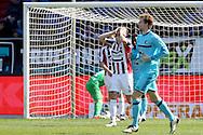 01-05-2016 VOETBAL:WILLEM II - FEYENOORDTILBURG<br /> Freek Heerkens van Willem II slaat zijn handen voor de ogen als Doelman Kostas Lamprou van Willem II in de fout is gegaan en Feyenoord op 0-1 komt<br /> <br /> Foto: Geert van Erven