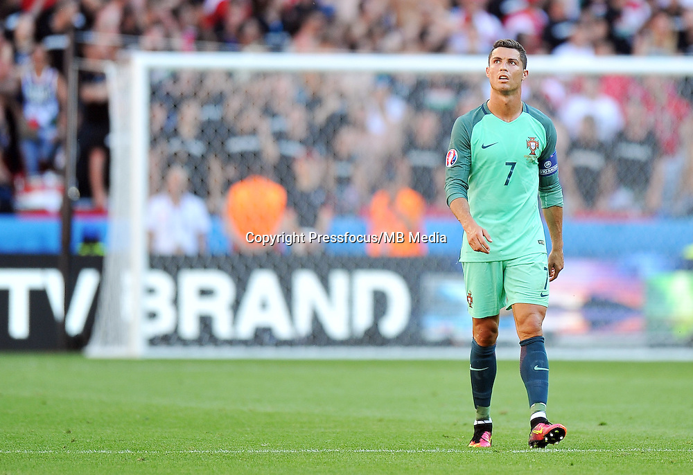 2016.06.22 Lyon<br /> Pilka nozna Euro 2016<br /> mecz grupy F Wegry - Portugalia<br /> N/z Cristiano Ronaldo<br /> Foto Norbert Barczyk / PressFocus<br /> <br /> 2016.06.22 Lyon<br /> Football UEFA Euro 2016 group F game between Hungary and Portugal<br /> Cristiano Ronaldo<br /> Credit: Norbert Barczyk / PressFocus
