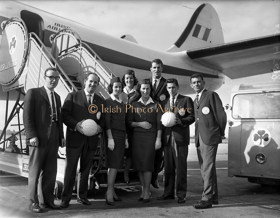 09/09/1960<br /> 09/09/1960<br /> 09 September 1960<br /> Toronto Gaelic Football Team arrives in Dublin Airport. The team played a tour of five matches in Ireland including a North Kerry selection on the 27/09/1960.