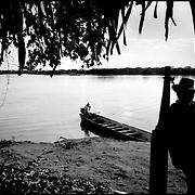 DAILY VENEZUELA / VENEZUELA COTIDIANA.Sarare River / Rio Sarare, Guasdualito, Apure State. Venezuela 2007.(Copyright © Aaron Sosa)