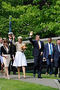 """Koning Willem-Alexander en Koningin Maxima tijdens het streekbezoek aan de achterhoek. Het bezoek staat in het teken van de Achterhoek Agenda 2020, een innovatief voor de toekomst van de Achterhoek dat aansluit op de toekomstvisies van de provincie, de Rijksoverheid en Europa. <br /> <br /> King Willem-Alexander and Queen Maxima visiting the region """"Achterhoek"""". The visit will focus on the Achterhoek Agenda 2020, an innovative for the future of the Achterhoek that meets the future visions of the province, the government and Europe.<br /> <br /> Op de foto / On the photo:  Koning Willem-Alexander en Koningin Maxima in Groenlo / King Willem-Alexander and Queen Maxima in Groenlo"""