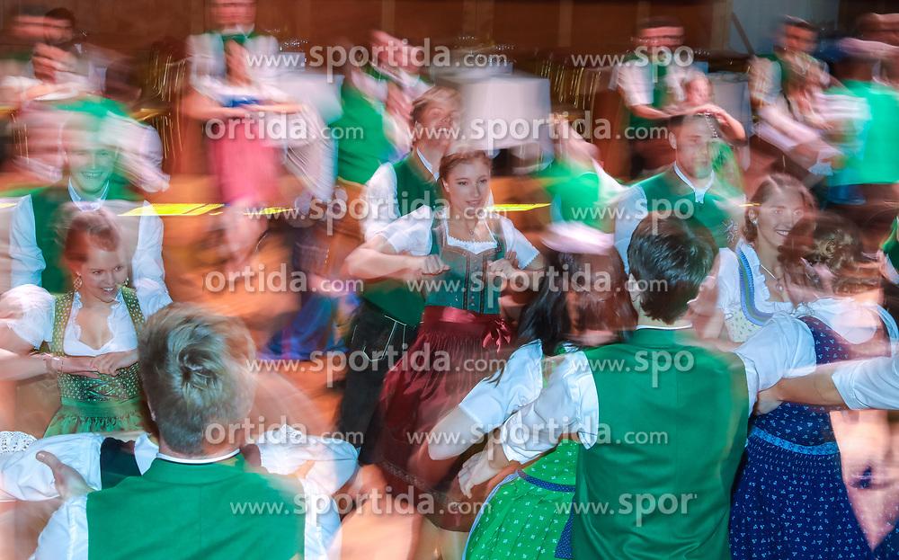 12.01.2018, Hofburg, Wien, AUT, Steirerball, im Bild ein Feature mit tanzenden Jungdamen und Jungherren // during the Styrian Ball in the Hofburg, Vienna, Austria on 2018/01/12, EXPA Pictures © 2017, PhotoCredit: EXPA/ Martin Huber
