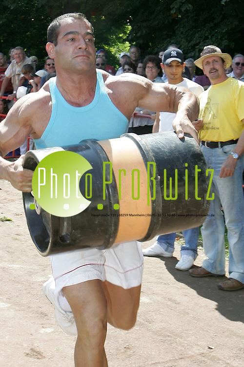 Mannheim. Herzogenriedpark. Kurpfalzfest. Strongest Men<br /> Bild: Markus Pro&szlig;witz <br /> Bilder auch online abrufbar - Neue-/ und Archivbilder. www.masterpress.org