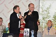 ©www.agencepeps.be/ F.Andrieu - Belgique -Bruxelles - 131101 - Michel Drucker et Philippe Geluck chez Filigrane à Bruxelles pour la présentation de leur livre.