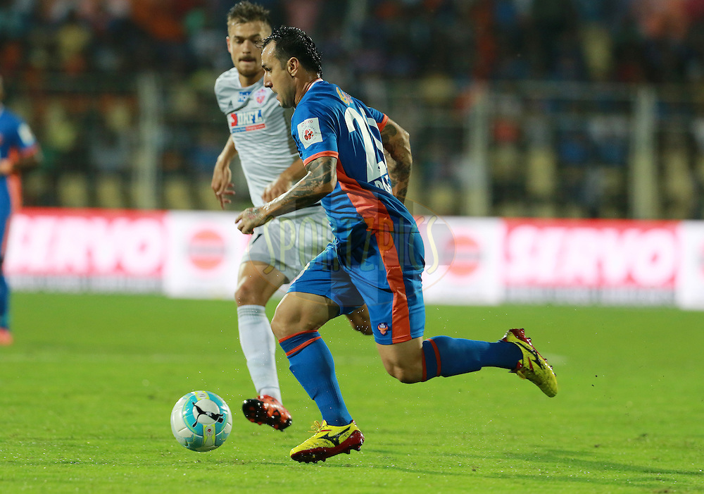 Rafael Coelho of FC Goa in action during match 8 of the Indian Super League (ISL) season 3 between FC Goa and FC Pune City held at the Fatorda Stadium in Goa, India on the 8th October 2016.<br /> <br /> Photo by Vipin Pawar / ISL/ SPORTZPICS