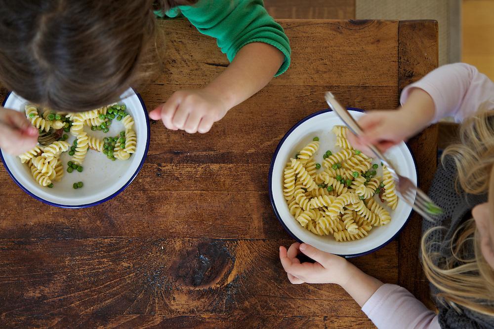 Pancetta, peas and cream pasta