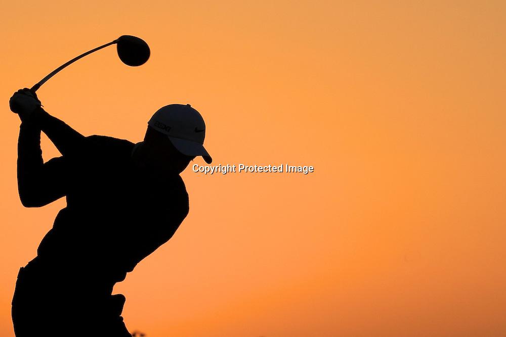 17/01/2013 European Tour 2013, Abi Dhabi HSBC Golf Championship, Abu Dhabi Golf Club, Abu Dhabi, United Arab  Emirates. 17-20 Jan. Tiger  Woods of United States on the range prior to the first round.