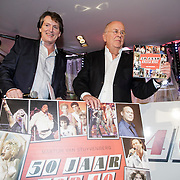 NLD/Hilversum/20150102 - Top40 viert 50 jarig bestaan, Erik de Zwart en Willem van Kooten presenteren Top40 boek