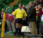 © Peter Spurrier/ Intersport Images.email images@sportsbeat.co.uk.Photo Peter Spurrier.01/03/2003.Sport - 2003 Powergen Cup Semi- final - Leicester Tigers v Gloucester RFC - Franklin Gardens Dean rihards (Tigers manager chat to match referee Steve Lander. Bomb hoax before the match.