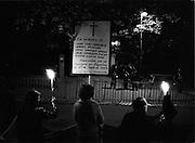 Manifestation utanför Spanska ambassaden 27 september 1976 till minne av fem motståndskämpar som Franco avrättade ett år tidigare.