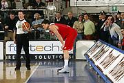DESCRIZIONE : Varese Lega A1 2006-07 Whirlpool Varese Bipop Carire Reggio Emilia<br /> GIOCATORE : Arbitro Beard Tifosi<br /> SQUADRA : Bipop Carire Reggio Emilia<br /> EVENTO : Campionato Lega A1 2006-2007 <br /> GARA : Whirlpool Varese Bipop Carire Reggio Emilia<br /> DATA : 18/03/2007 <br /> CATEGORIA : Delusione Curiosita<br /> SPORT : Pallacanestro <br /> AUTORE : Agenzia Ciamillo-Castoria/G.Cottini