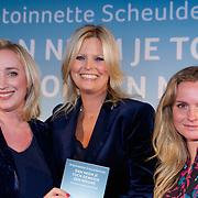 NLD/Amsterdam/20181023 - Boekpresentatie Antoinette Scheulderman, Eva Jinek en Antoinette en Fatima Moreira de Melo