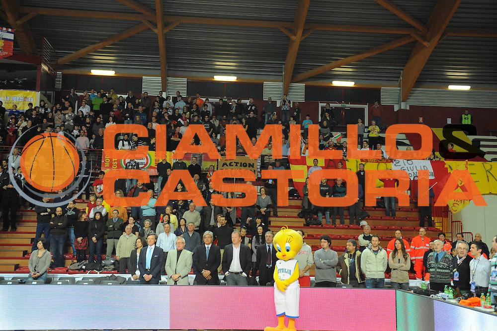 DESCRIZIONE : Novara Lega A2 2010-11 Final Four Coppa Italia Finale Prima Veroli Aget Imola<br /> GIOCATORE : Tifosi Veroli<br /> SQUADRA : Prima Veroli Aget Imola<br /> EVENTO : Campionato Lega A2 2009-2010<br /> GARA : Prima Veroli Aget Imola<br /> DATA : 27/02/2011<br /> CATEGORIA : Supporter<br /> SPORT : Pallacanestro<br /> AUTORE : Agenzia Ciamillo-Castoria/GiulioCiamillo<br /> Galleria : Lega Basket A2 2010-2011  <br /> Fotonotizia : Novara Lega A2 2010-11 Final Four Coppa Italia Finale Prima Veroli Aget Imola<br /> Predefinita :