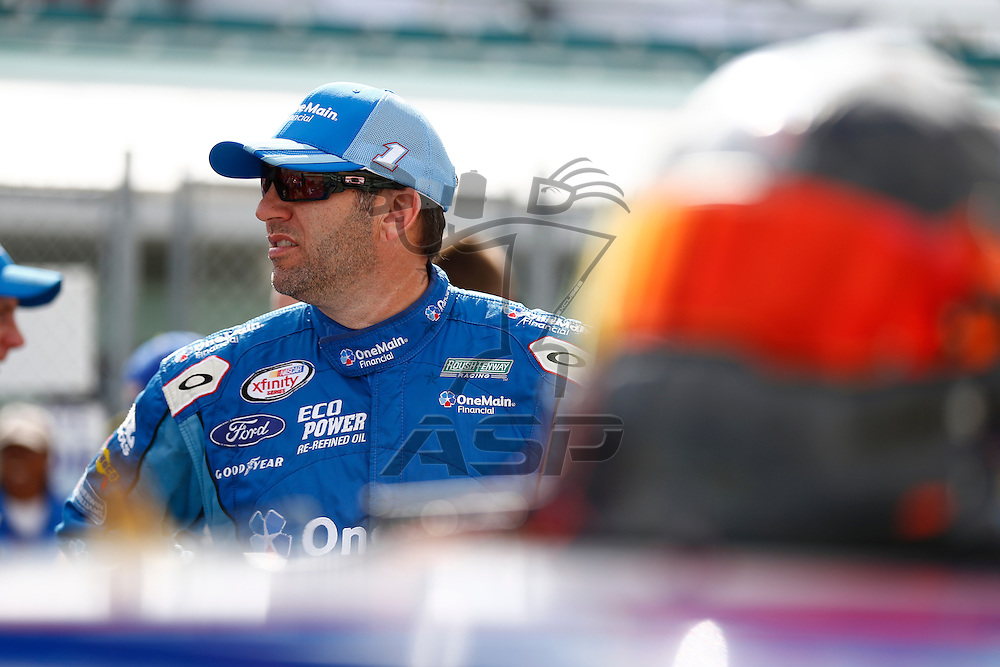 Homestead, FL - Nov 21, 2015:  The NASCAR Xfinity Series teams take to the track to qualify for the Ford Ecoboost 300 at Homestead Miami Speedway in Homestead, FL.