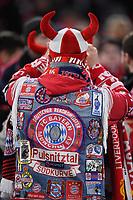 FUSSBALL CHAMPIONS LEAGUE SAISON 2018/2019 ACHTELFINAL RUECKSPIEL FC Bayern Muenchen - FC Liverpool          13.03.2019 FC Bayern Muenchen Fan mit Kutte in der Allianz Arena