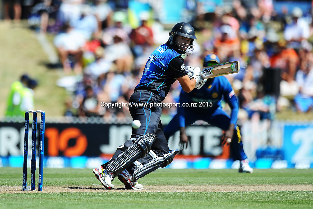 Black Cap player Ross Taylor during Match 4 of the ANZ One Day International Cricket Series between New Zealand Black Caps and Sri Lanka at Saxton Oval, Nelson, New Zealand. Tuesday 20 January 2015. Copyright Photo: Chris Symes/www.Photosport.co.nz