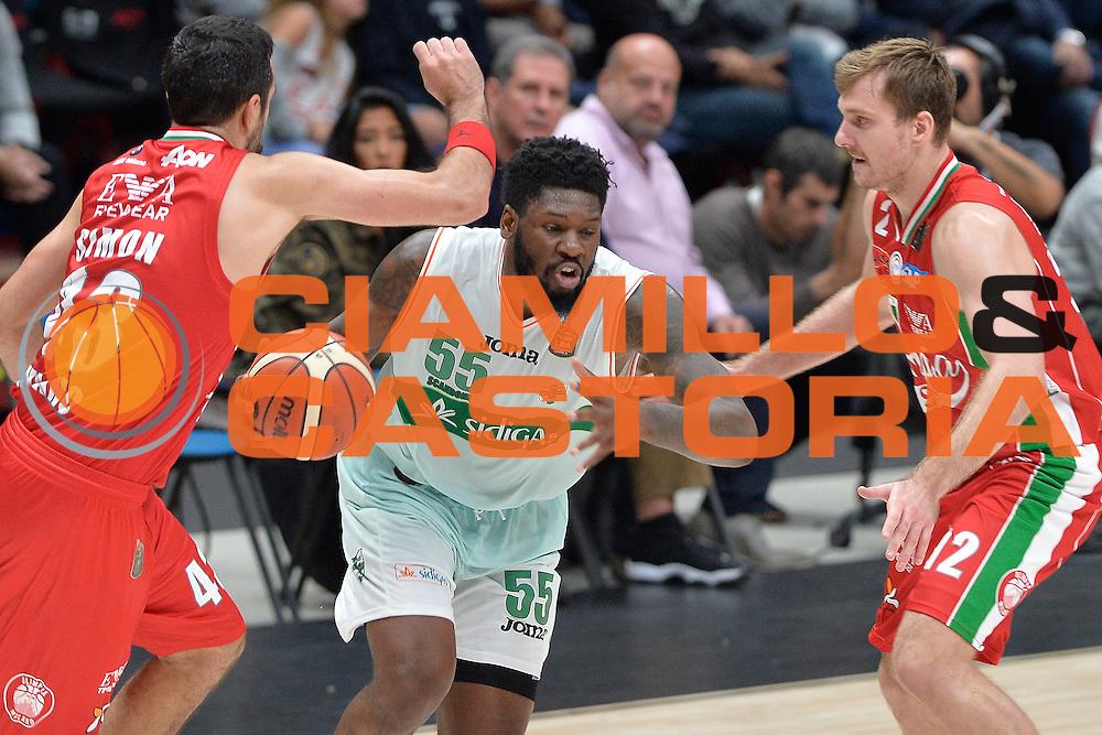 Thomas Adonis<br /> Olimpia EA7 Emporio Armani Milano Sidigas Scandone Avellino<br /> Basket serie A 2016/2017<br /> Cremona 09/10/2016<br /> Foto Ciamillo-Castoria<br /> Provvisorio