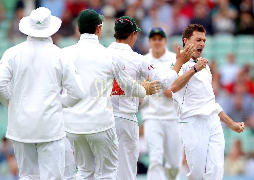 © Andrew Fosker / Seconds Left Images 2012 - South Africa's Dale Steyn (RT) celebrates the wicket of  Ravi Bopara caught South Africa's AB de Villiers (wk) for 0 England v South Africa - 1st Investec Test Match -  Day 2 - The Oval  - London - 20/07/2012