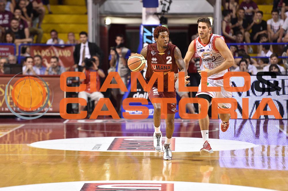 DESCRIZIONE : Venezia Lega A 2014-15 Umana Venezia-Grissin Bon Reggio Emilia  playoff Semifinale gara 5<br /> GIOCATORE :Stone Julyan<br /> CATEGORIA : Palleggio Contropiede <br /> SQUADRA : Umana Venezia<br /> EVENTO : LegaBasket Serie A Beko 2014/2015<br /> GARA : Umana Venezia-Grissin Bon Reggio Emilia playoff Semifinale gara 5<br /> DATA : 07/06/2015 <br /> SPORT : Pallacanestro <br /> AUTORE : Agenzia Ciamillo-Castoria /GiulioCiamillo<br /> Galleria : Lega Basket A 2014-2015 Fotonotizia : Reggio Emilia Lega A 2014-15 Umana Venezia-Grissin Bon Reggio Emilia playoff Semifinale gara 5<br /> Predefinita :
