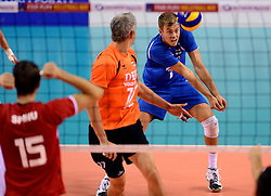06-10-2013 VOLLEYBAL: WK KWALIFICATIE MANNEN NEDERLAND - ROEMENIE: ALMERE<br /> Nederland WINT met 3-0 van Roemenie en is daarmee groepswinnaar en plaatst zich voor de volgende ronde / Gijs Jorna<br /> ©2013-FotoHoogendoorn.nl