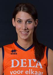 22-05-2015 NED: Selectie Nederlands Volleybalteam vrouwen 2015, Arnhem<br /> Op Papendal werd de photoshoot met de Nederlandse Volleybal vrouwen gedaan / Robin de Kruijf #5