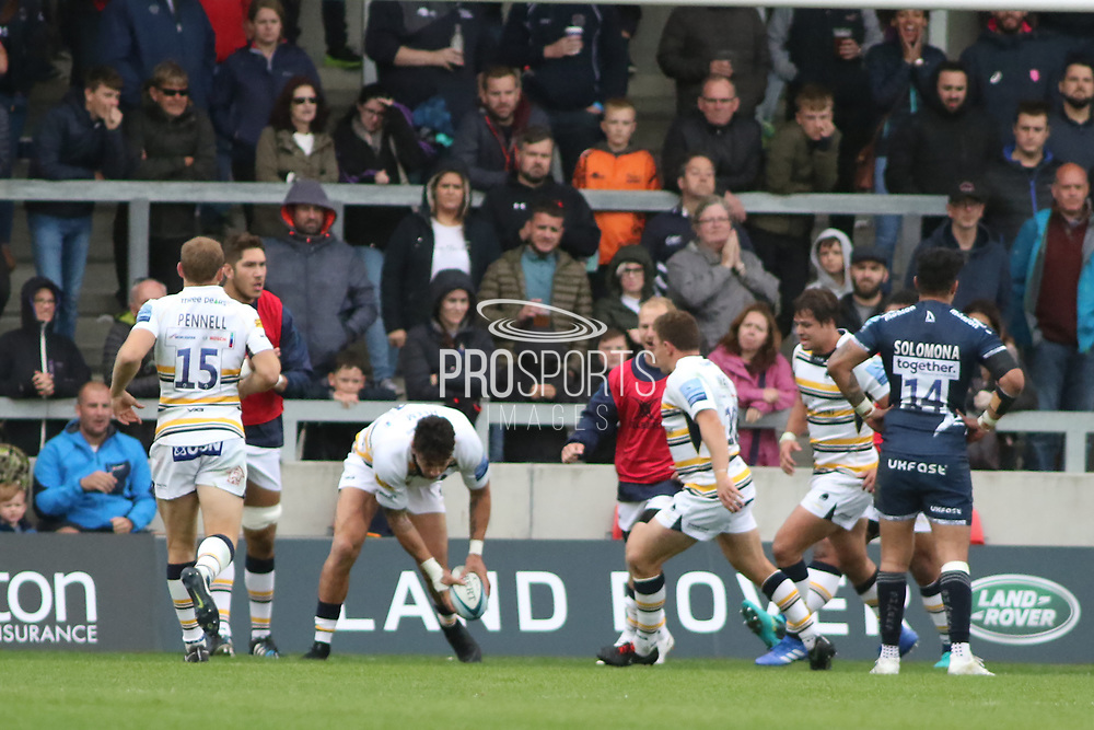 Bryce Heem Worcester Warriors scores during the Gallagher Premiership Rugby match between Sale Sharks and Worcester Warriors at the AJ Bell Stadium, Eccles, United Kingdom on 9 September 2018.