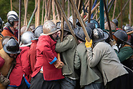 Kineton, Warwickshire, UK. 20th October 2018. Members of Sealed Knot converge on a field in Kineton, Warwickshire, to re-enact the first major pitched engagement in October 1642 of the English Civil War. On a field that undulates and flows not unlike the original and within the very same area the conflict originally took place, the re-enactors utilised horses, muskets, drums and pikes to recreate the battle between Royalist and Parliamentarian forces. // Lee Thomas, Tel. 07784142973. Email: leepthomas@gmail.com  www.leept.co.uk (0000635435)