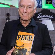 NLD/Hilversum/20181008 - Boekpresentatie autobiografie Peter Koelewijn, Peter Koelewijn en zijn boek