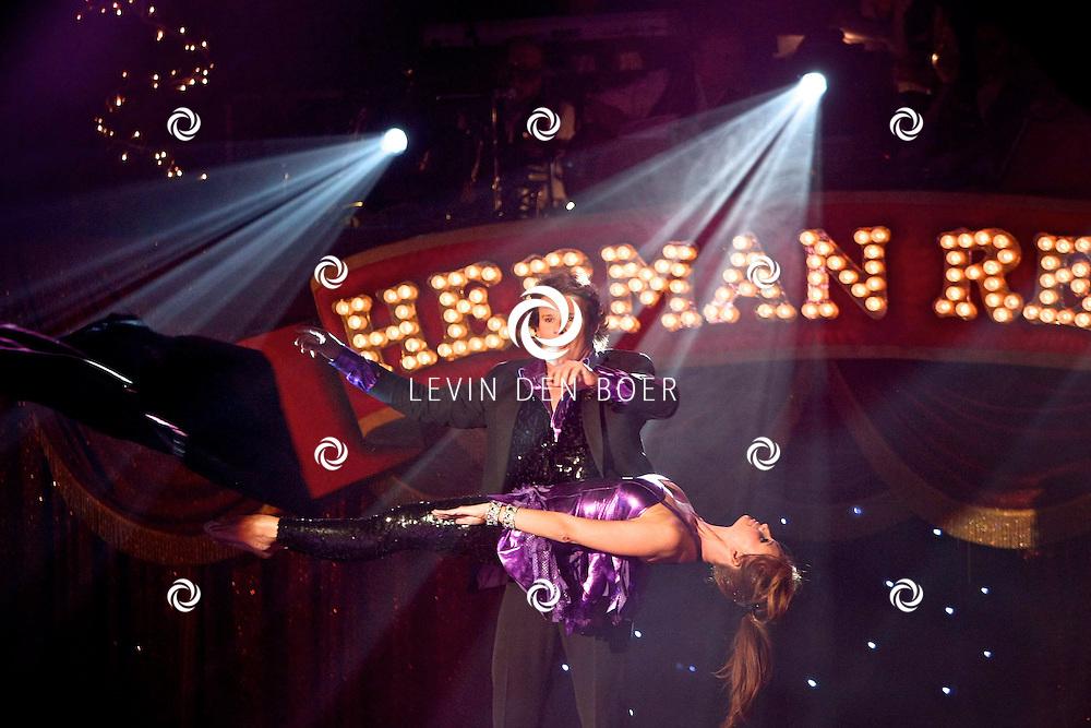 HELMOND - In de tent van Circus Herman Renz werden de opnames van de RTL4 KidsRights KerstSterrenCircus opgenomen. Met op de foto Leco Zadelhoff en Leontien Borsato Ruiters. FOTO LEVIN DEN BOER / PERSFOTO.NU