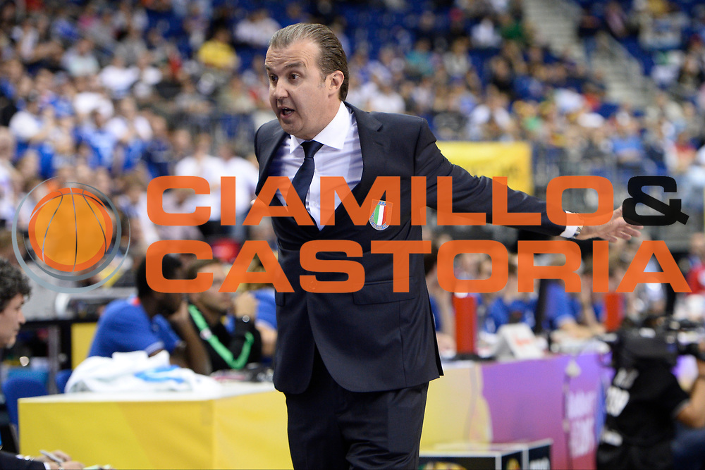 DESCRIZIONE : Berlino Berlin Eurobasket 2015 Group B Iceland Italy <br /> GIOCATORE : Simone Pianigiani<br /> CATEGORIA : Coach<br /> SQUADRA : Italy<br /> EVENTO : Eurobasket 2015 Group B <br /> GARA : Iceland Italy <br /> DATA : 06/09/2015 <br /> SPORT : Pallacanestro <br /> AUTORE : Agenzia Ciamillo-Castoria/Mancini Ivan<br /> Galleria : Eurobasket 2015 <br /> Fotonotizia : Berlino Berlin Eurobasket 2015 Group B Iceland Italy