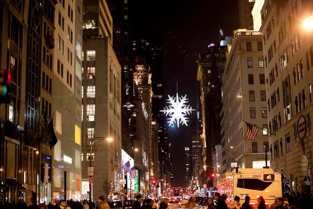New York, New York. Etats Unis. 18 Decembre 2010.5eme Avenue..New York, New York. United States. December 18th 2010.5th Avenue.