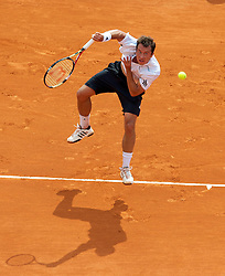 MONTE-CARLO, MONACO - Friday, April 16, 2010: Philipp Kohlschreiber (GER) in action during the Men's Singles Quarter-Final on day five of the ATP Masters Series Monte-Carlo at the Monte-Carlo Country Club. (Photo by David Rawcliffe/Propaganda)