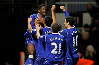 Fotball<br /> England<br /> Foto: Colorsport/Digitalsport<br /> NORWAY ONLY<br /> <br /> Louis Saha (Everton) is lifted into the air as Tim Cahill (Everton), Leon Osman (Everton, 21) and Mikel Arteta (Everton, 10) join to celebrate his second goal. <br /> <br /> West Ham United Vs Everton<br /> Barclays Premier League. Upton Park. London. 08/11/08