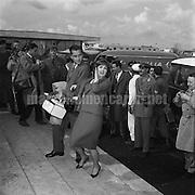 Rome, 1960. Italian actress Gina Lollobrigida and her husband Mirko Skofic / Roma, 1960. L'attrice Gina Lollobrigida con il marito Mirko Skofic - Marcello Mencarini Historical Archives