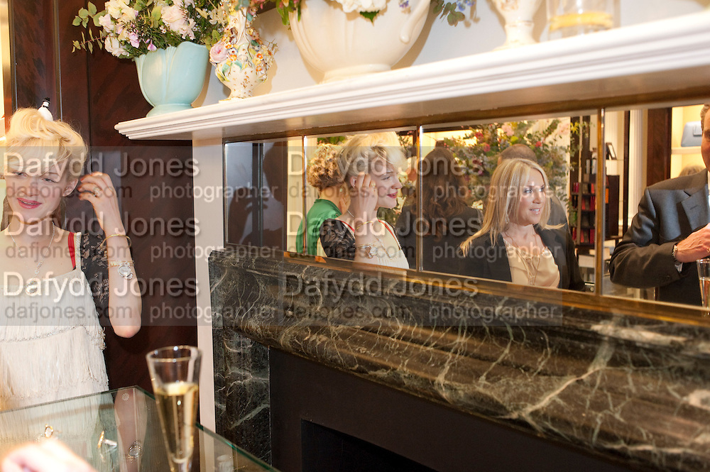 JESSICA DE LOTZ; VICTORIA BLACKBURN; , Smythson Royal Wedding exhibition preview. Smythson together with Janice Blackburn has commisioned 5 artist designers to create their own interpretations of  Royal wedding memorabilia. Smythson. New Bond St. London. 5 April 2011.  -DO NOT ARCHIVE-© Copyright Photograph by Dafydd Jones. 248 Clapham Rd. London SW9 0PZ. Tel 0207 820 0771. www.dafjones.com.