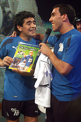 MARADONA Tv SHOW - 29/08/05 - Bs.As. - Argentina -.Former Argentine soccer star Diego Maradona makes his 3th show as anchorman of his TV show La Noche del Diez (The Night of Number 10) aired by Channel 13..Here DIEGO MARADONA with CARLOS TEVEZ.© Argenpress.com / Piko-Press