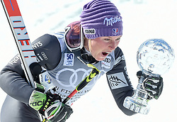 19.03.2017, Aspen, USA, FIS Weltcup Ski Alpin, Finale 2017, Riesenslalom, Damen, Siegerehrung, im Bild Tessa Worley (FRA) mit der Kristrallkugel für den Riesenslalom Weltcupsieg // Tessa Worley of France With the crystal gobe for the ladie's Giantslalom World Cup during the winner award ceremony for the ladie's Giantslalom of 2017 FIS ski alpine world cup finals. Aspen, United Staates on 2017/03/19. EXPA Pictures © 2017, PhotoCredit: EXPA/ Erich Spiess
