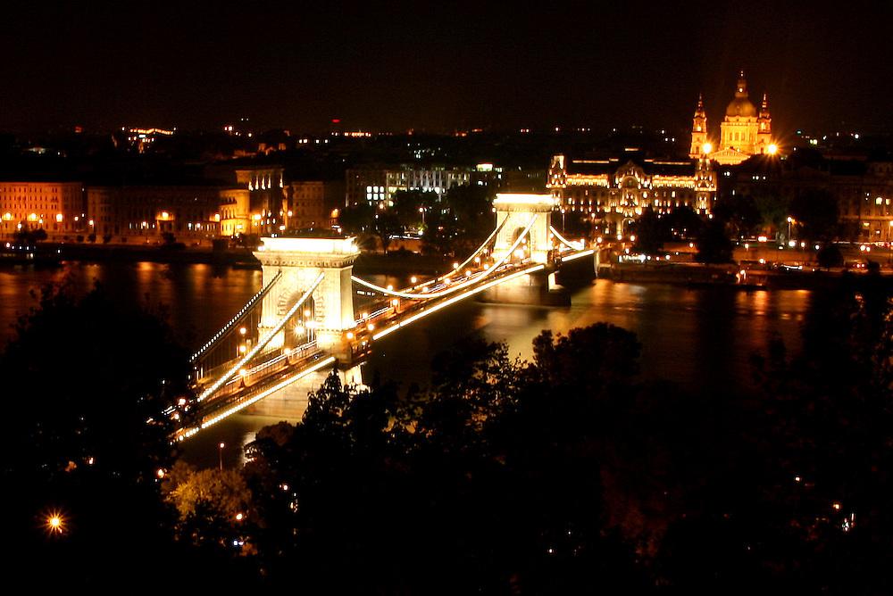 Széchenyi Chain Bridge (Lánchíd) & St. Stephen's Basilica (Szent István-Bazilika), named for Stephen, the first King of Hungary (c 975–1038),  Budapest, Hungary