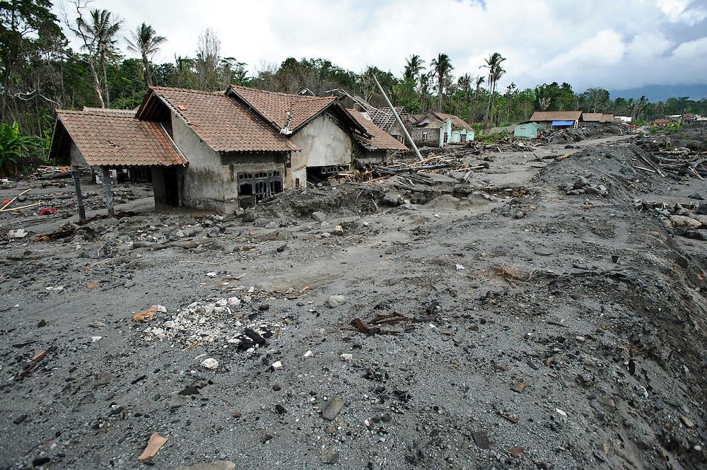 Damaged buidlings at the edge of a pyroclastic flow, Kepuharjo, Cangkringan, nr Yogyakarta, Java, Indonesia.