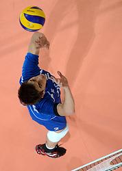 09-06-2013 VOLLEYBAL: WORLD LEAGUE NEDERLANDS - JAPAN: APELDOORN<br /> Nederland wint ook de tweede wedstrijd en verslaat Japan met 3-0 / Nico Freriks <br /> ©2013-FotoHoogendoorn.nl