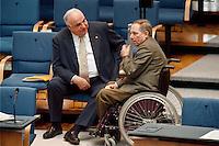 11.11.1998, Deutschland/Bonn:<br /> Helmut Kohl, CDU, Bundeskanzler a.D., und Wolfgang Schäuble, CDU, Fraktionsvorsitzender und Parteivorsitzender, im Gespräch; Aussprache zur ersten Regierungserklärung von Schröder, Bundestag, Bonn<br /> IMAGE: 19981111-01/02-21<br />  <br />           <br /> KEYWORDS: Wolfgang Schaeuble