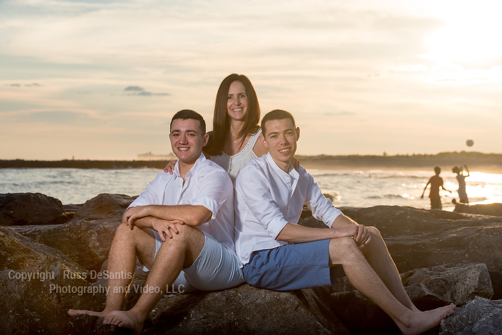 The Gray family at Point Lookout, Long Island on Sunday August 13, 2017. / Russ DeSantis Photography and Video, LLC