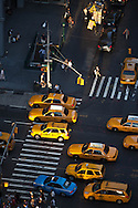 New york -  yellow cabs and traffic on 8th, view from above  New York - United states / taxis jaunes sur la 8em avenue 8em avenue New York - Etats unis