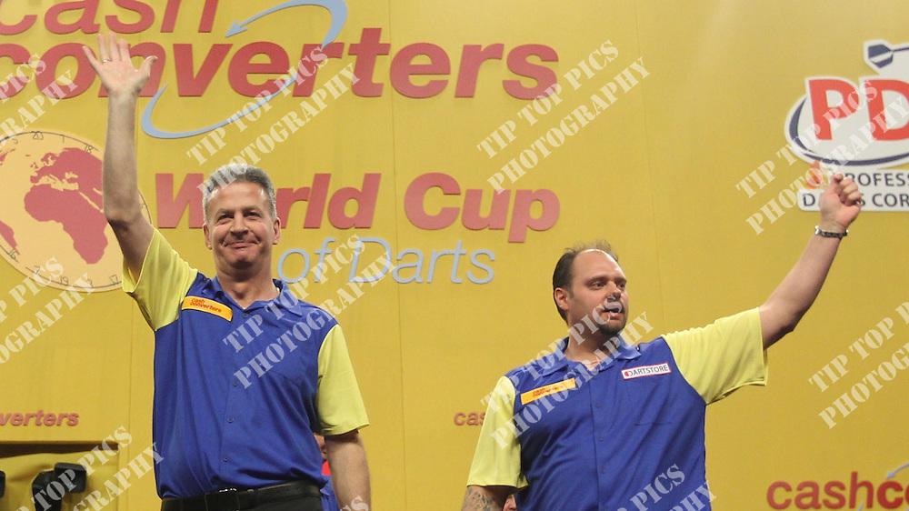 CASH CONVERTERS WORLD CUP OF DARTS 2012<br /> Sweden,Magnus Caris, Dennis Nilsson ,Japan, Haruki Muramatsu, Morihiro Hashimoto