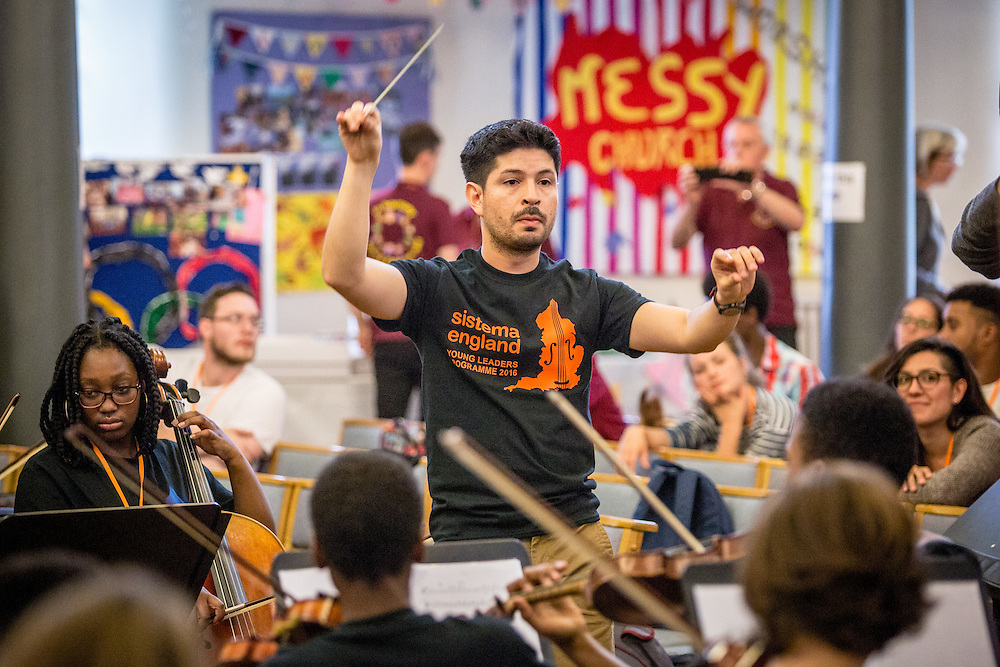 Mambo with Malinslee: The In Harmony Telford community welcome the Young Leaders in performance<br />