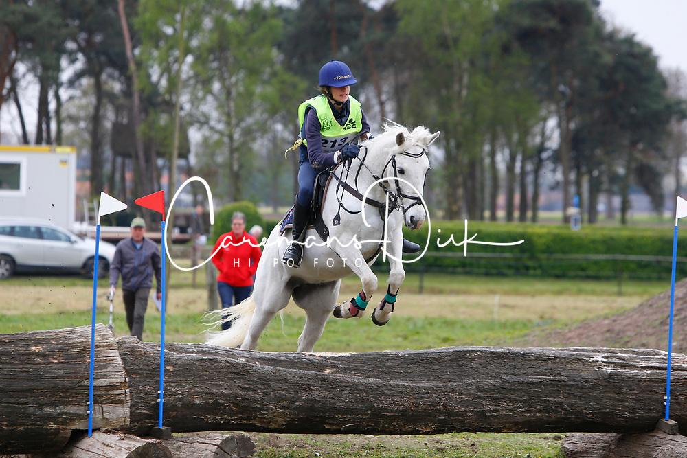 Gyssels Jana, BEL, Noisette<br /> Nationale LRV-Eventingkampioenschap Ponies Minderhout 2017<br /> &copy; Hippo Foto - Kris Van Steen<br /> 29/04/17