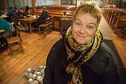 Åpen kirke er viktig for et godt liv. Her har jeg mange gode venner, forteller Shirley, gjest i Vår Frue kirke i Trondheim.