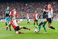ROTTERDAM - Feyenoord - PSV , Voetbal , Eredivisie , Seizoen 2016/2017 , De Kuip , 26-02-2017 ,  PSV speler Jetro Willems (m) in duel met Feyenoord speler Rick Karsdorp (r) Feyenoord speler Jan Arie van der Heijden (l)